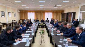 Керівництво Національної поліції України просить віруючих брати участь у богослужіннях за допомогою Інтернету.