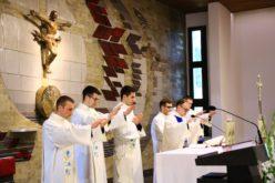 Приміційна Служба Божа – неопресвітерів в облатскій Вищій Духовній Семінарії
